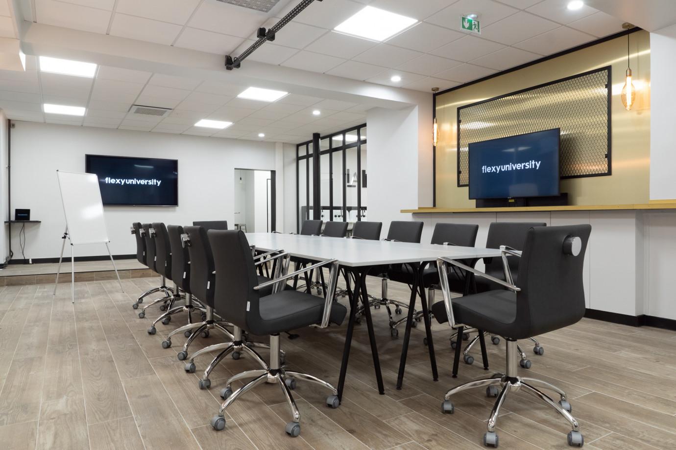 Salle de réunion moderne - capacité 12 pers.
