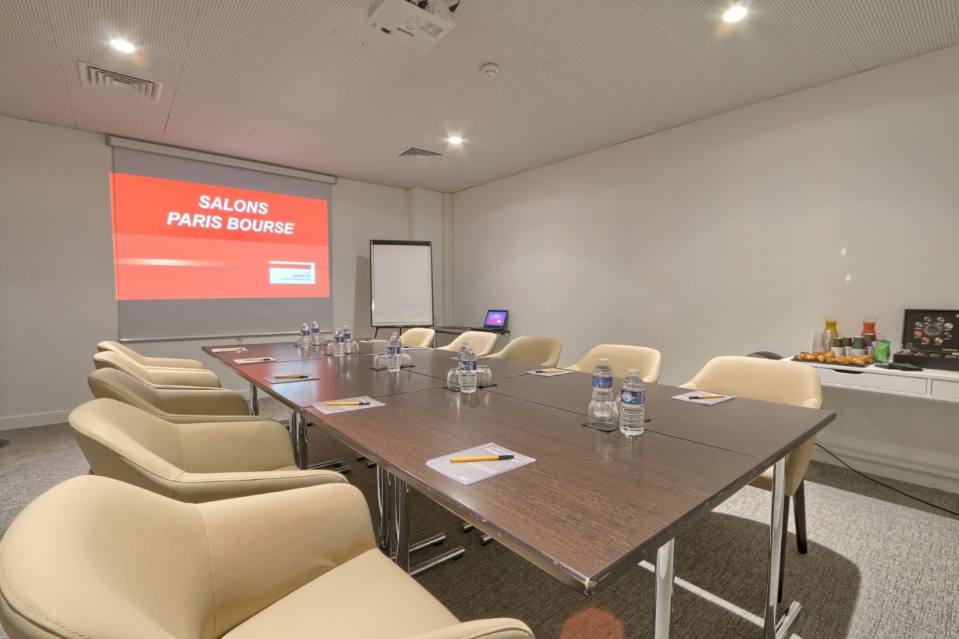 Meeting Training Room Paris Salle De Reunion Moderne 32 M 12